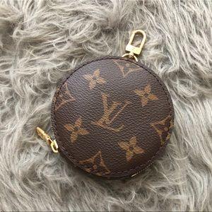 Louis Vuitton round zipped coin purse